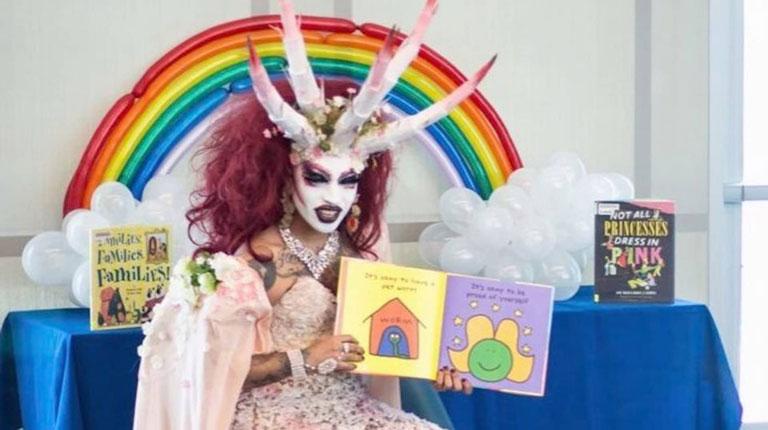 [Image: drag-queen-story-hour.jpg]
